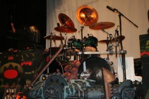 Drummer Jizmak da Gushers kit