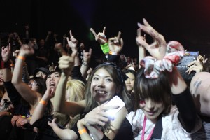 fans-vamps_120813_IMG_5277